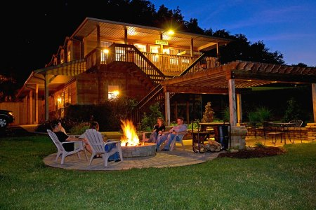 Charmant Along With Visiting The Attractions Of Ohio Amish Country, You Can Relax On  The Porches Or By The Fire Pit, Hike On Our Forest Trails, Stroll Around  The ...