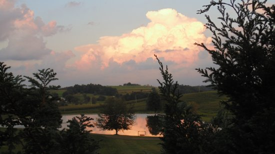 Amish Country Lodging and Cabins - Sojourner's Lodge and Log